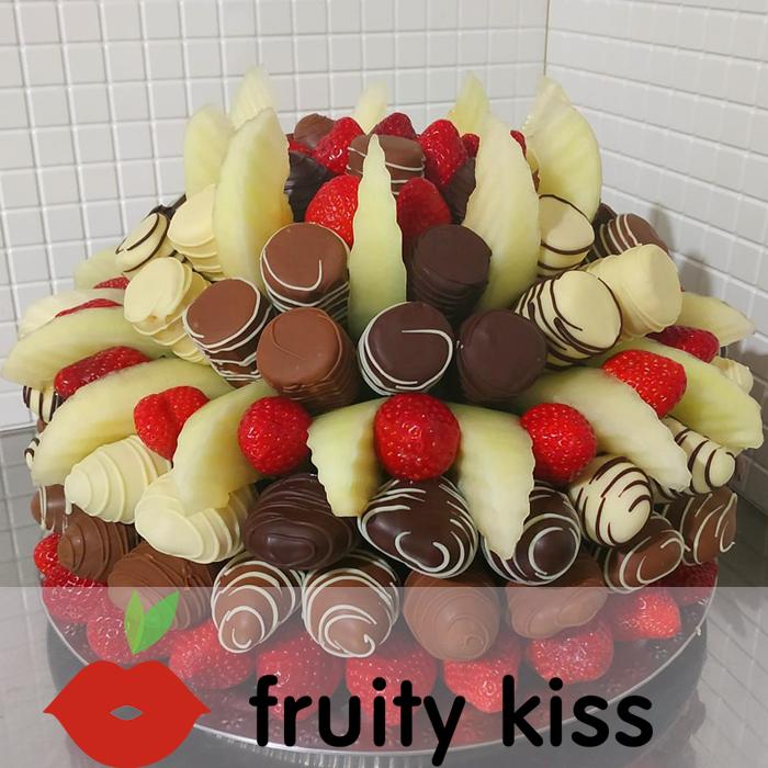 """Торт из фруктов в шоколаде """"Сладкий праздник №2"""" - сравнение фото 1"""